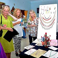 UK Team Explores Indian Apparel And Textile Designs